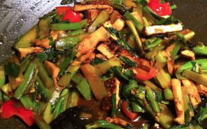 Karl's Tofu and Chinese Broccoli Stir-fry