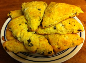 Karl's American Vanilla Scones with Currents