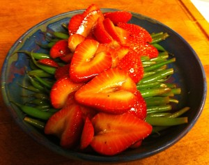 Karl's Strawberry Vinaigrette Green Beans