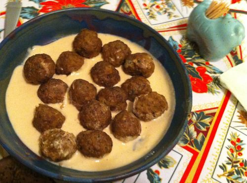 Karl's Kūbide Meatballs in Sesame Sauce