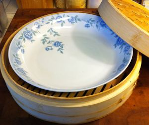 Wide Shallow Bowl and Steamer Basket