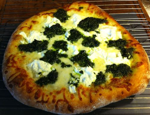 Karl's New York Style Pesto Pizza