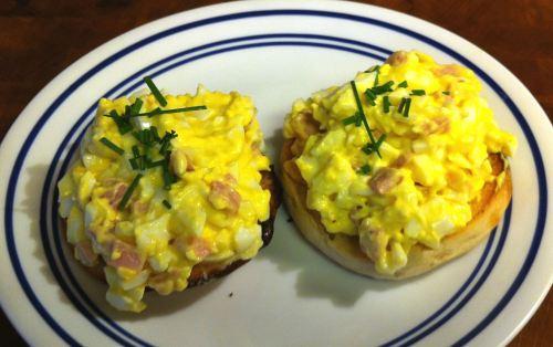 Karl's Eggs Benedict Salad